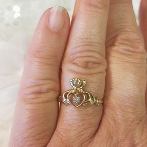10K Gold Claddagh Ring with Diamond
